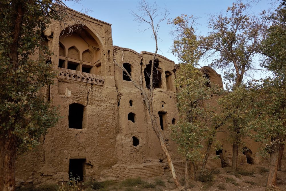The Kharanaq village, as pretty as it is deserted