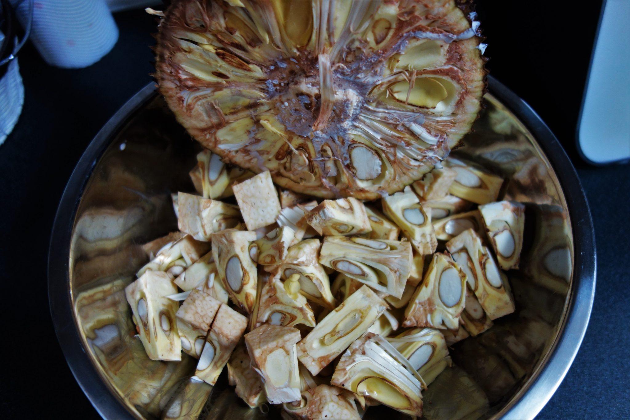 jak przygotować owoc chlebowca