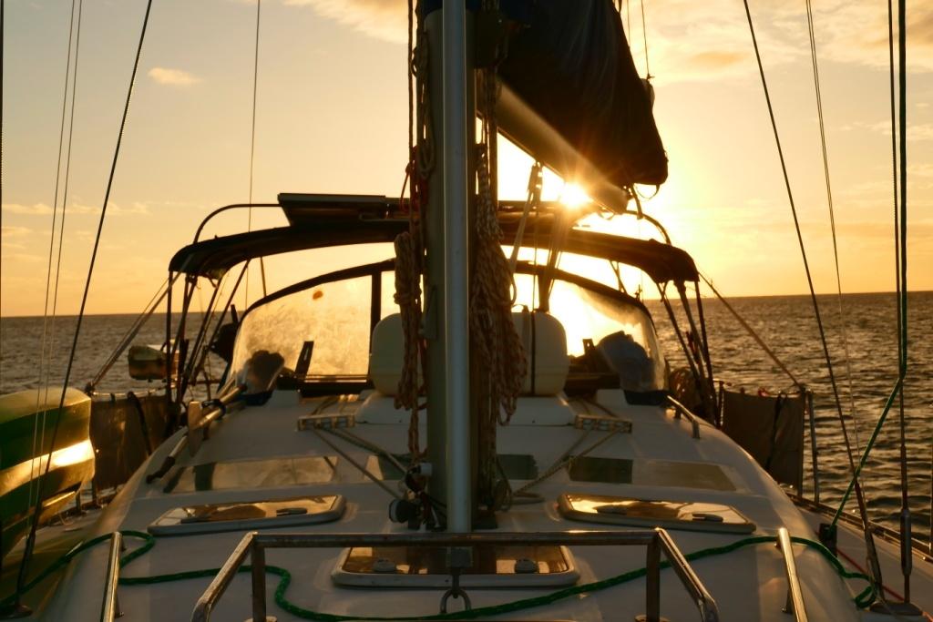 metody spania na łódce